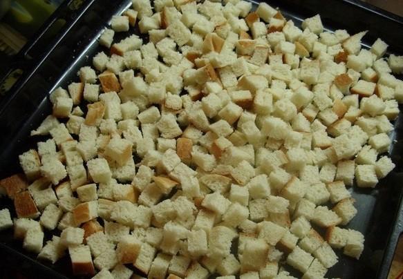 Как приготовить сухарики кириешки в домашних условиях?