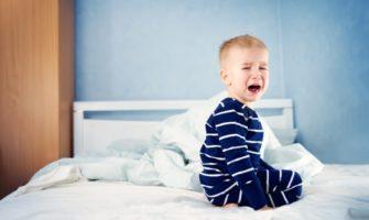 Ребенок аутист не спит ночью, что делать?