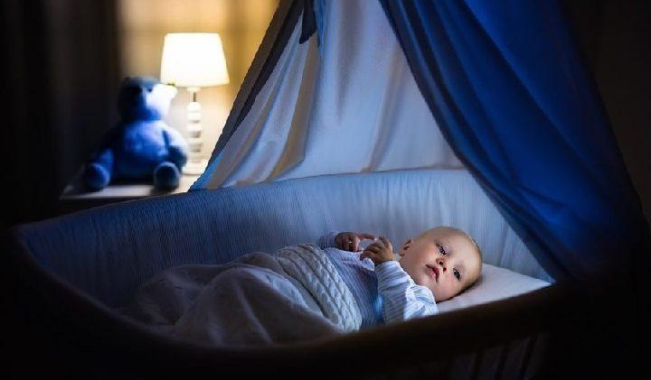 Почему новорожденный малыш плохо спит?