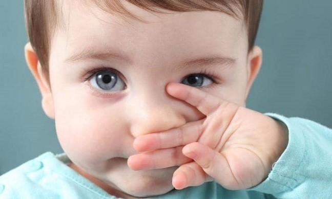 У ребенка не проходит насморк что делать?