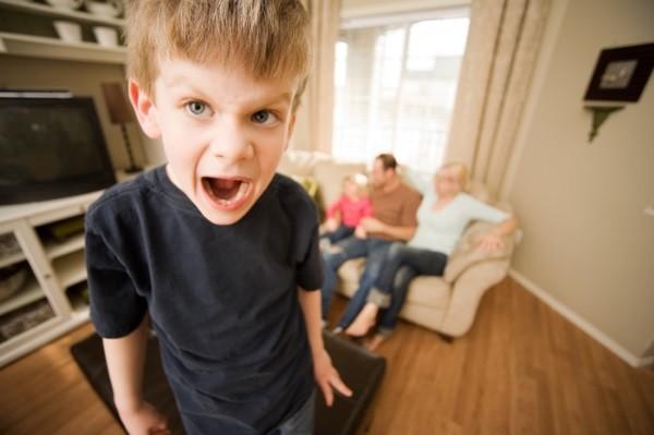 Как успокаивать слишком активных детей?