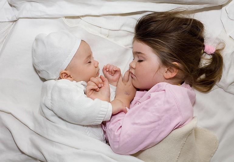 Как должен спать ребенок после года?