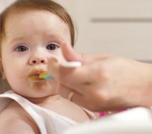 Что подойдет для питания ребенка в первый год жизни?
